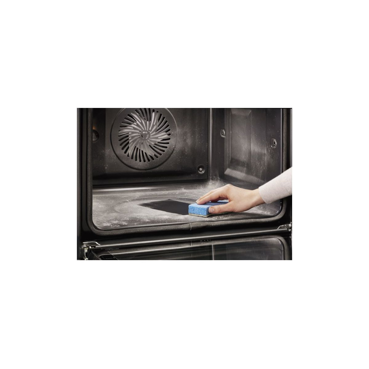 Four multifonction pyrolyse ELECTROLUX EEC2409BOX 68 litres